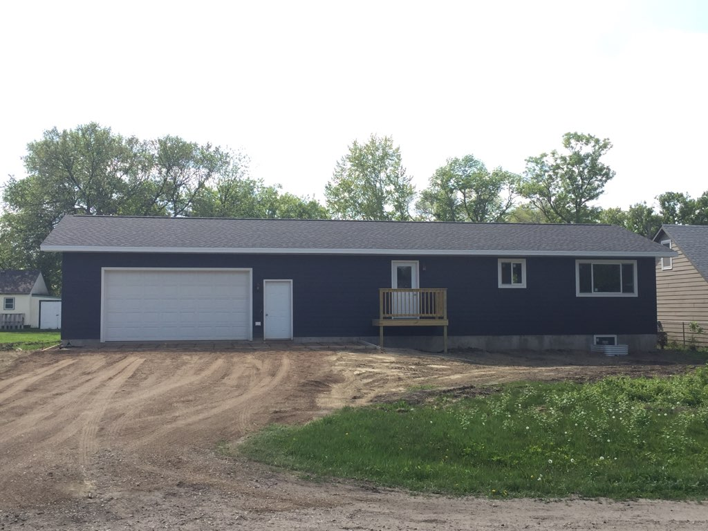 SALE PENDING - 616 8th Ave St. E. Sisseton Photo