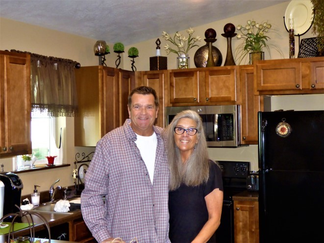picture of Jeff & Judy inside their new house